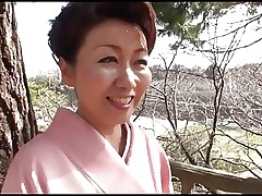 39 yr old Yayoi Iida Swallows 2 Loads (Uncensored)