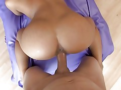 Sex scene with asian girl, ending with creampie
