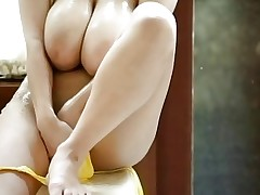 Busty Hitomi Tanaka Masturbating